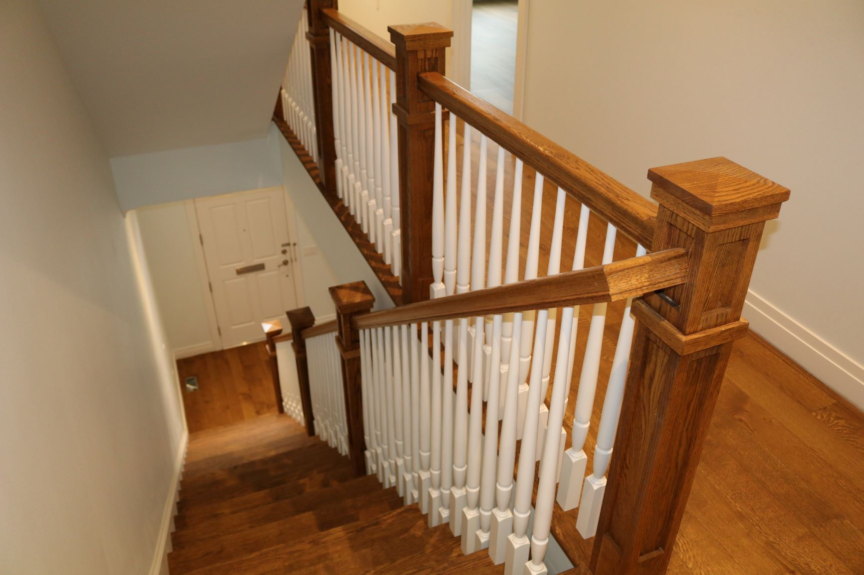 Alexandria-wood-tapered-balusters