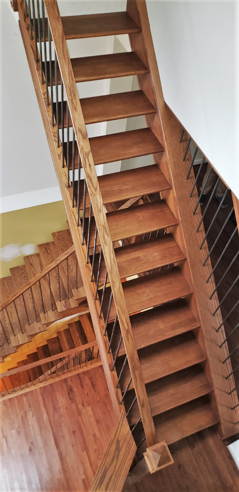 Floating Oak Stairways with Stainless Steel Balusters